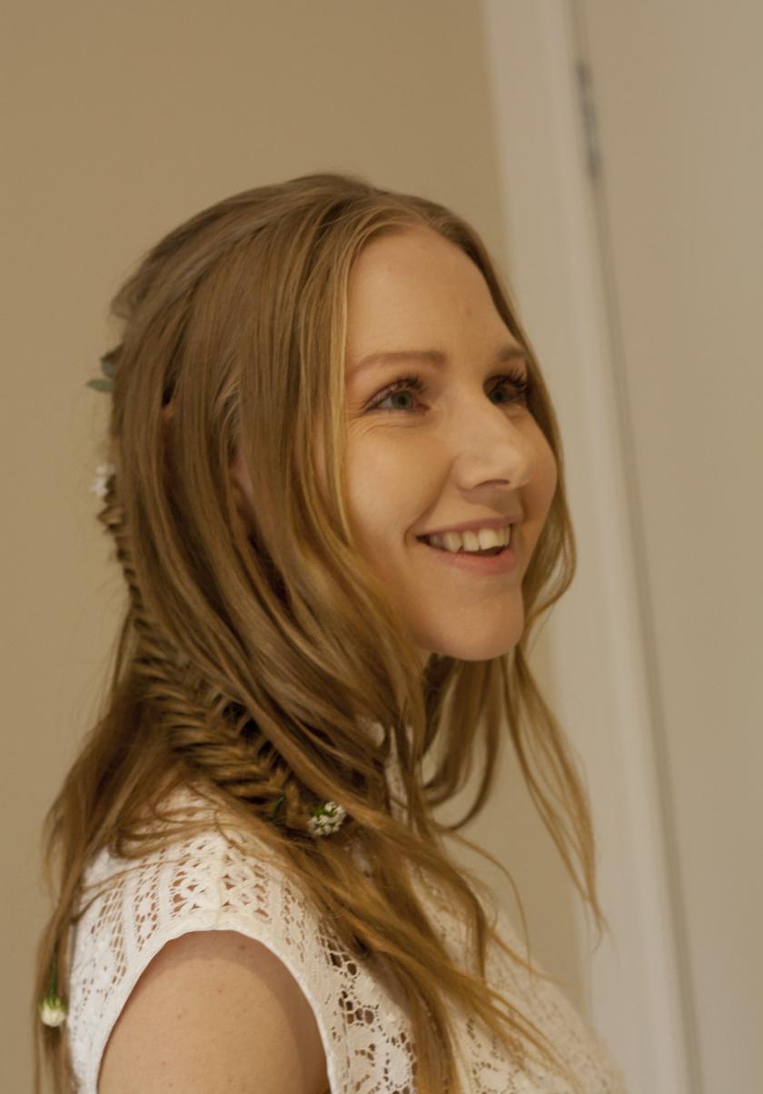 Hair side smile